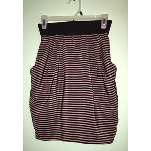 H&M Narrow Stripes Skirt with Huge Pockets 4